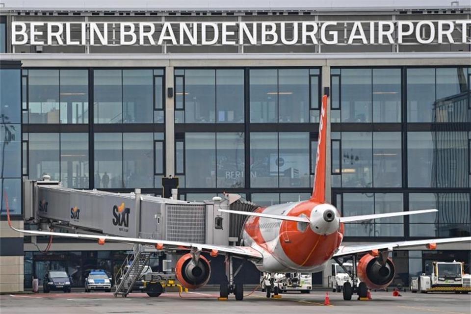 Berliner Flughafen noch lange auf Finanzhilfe angewiesen