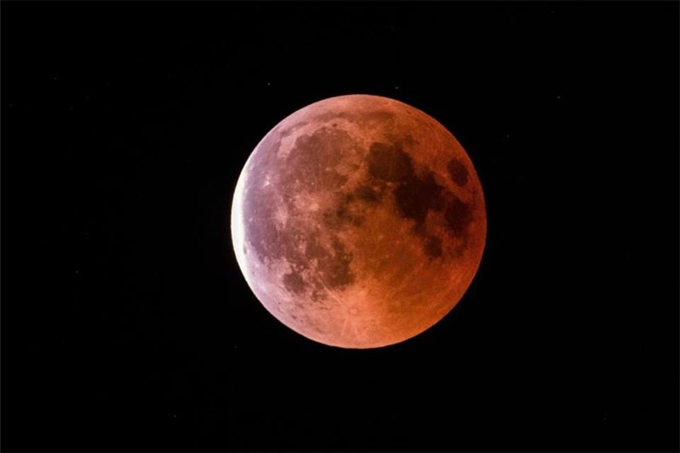 Roter Mond 2021
