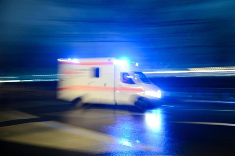Zusammenstoß mit Straßenbahn: Autofahrerin verletzt