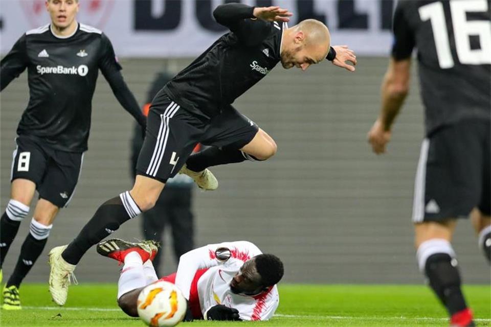 FC St. Pauli holt Ex-Schalker Reginiussen
