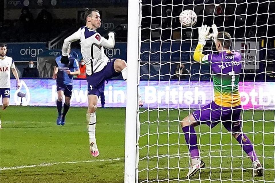FA-Cup: Tottenham mit viel Glück gegen Zweitligist weiter